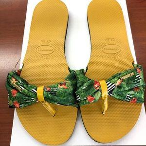 Havaianas sandals You St. Tropez Parrots Print 9
